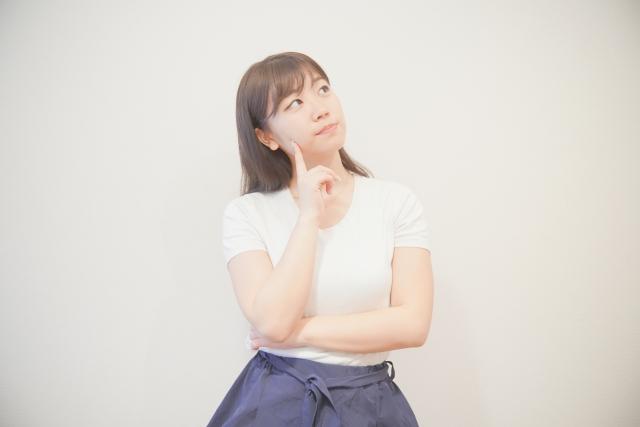 悩める女子_フリー素材